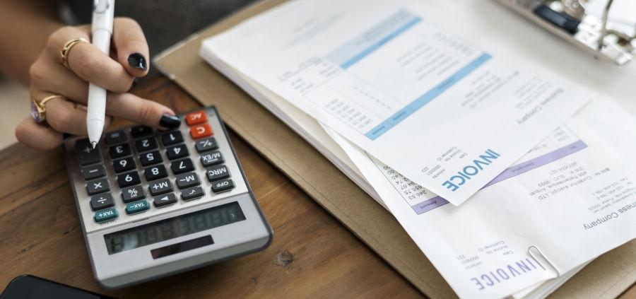 مشاور مالیاتی و حسابدار